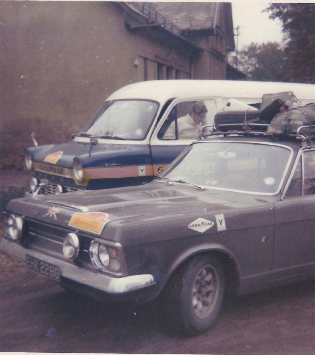 1969 Ford Zodiac Mk4 1969%203%20Cities%20photo%203%20aa_zpsxswripf0
