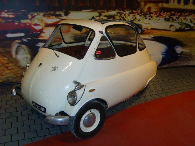 Rally Legends MM%20Museum%206%20Iso%20Isetta%20_zpswzitkkcn