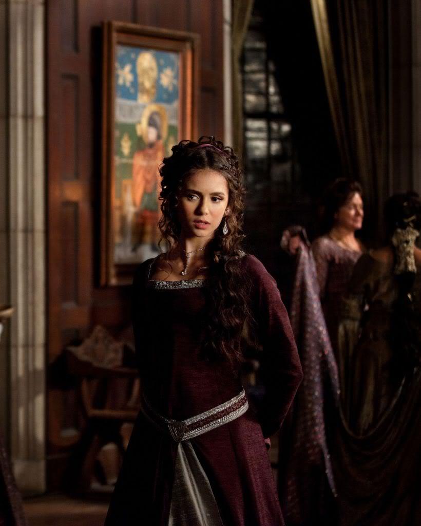 მსახიობები ,რომლებსაც დედოფლის როლი უთამაშნიათ !!! Bf4bd3c68df4ae86cc613b75c63899f7