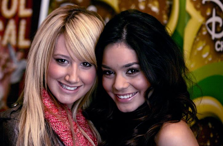 Official Vanessa & Ashley Gallery - Page 3 45f62092