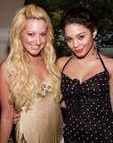 Official Vanessa & Ashley Gallery - Page 3 That10