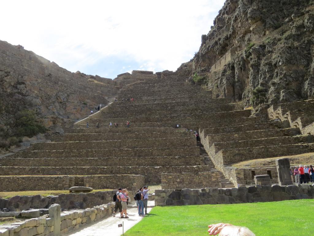Skamieniali giganci - Page 2 Ollantaytambo_Complex_Peru11-14-20122-27-31AM_zpsfa084f33