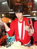 Chun y su amor por la comida Th_255