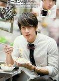 Chun y su amor por la comida Th_JJDic