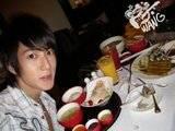 Chun y su amor por la comida Th_chunper2