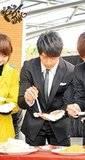 Chun y su amor por la comida Th_ff