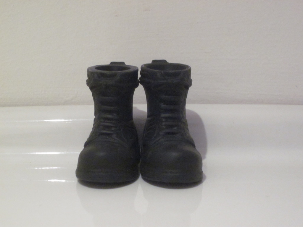What boots or shoes are your favorite to use when your kitbashing a figure together?  IMG_4254_zpsgx3xjjm5