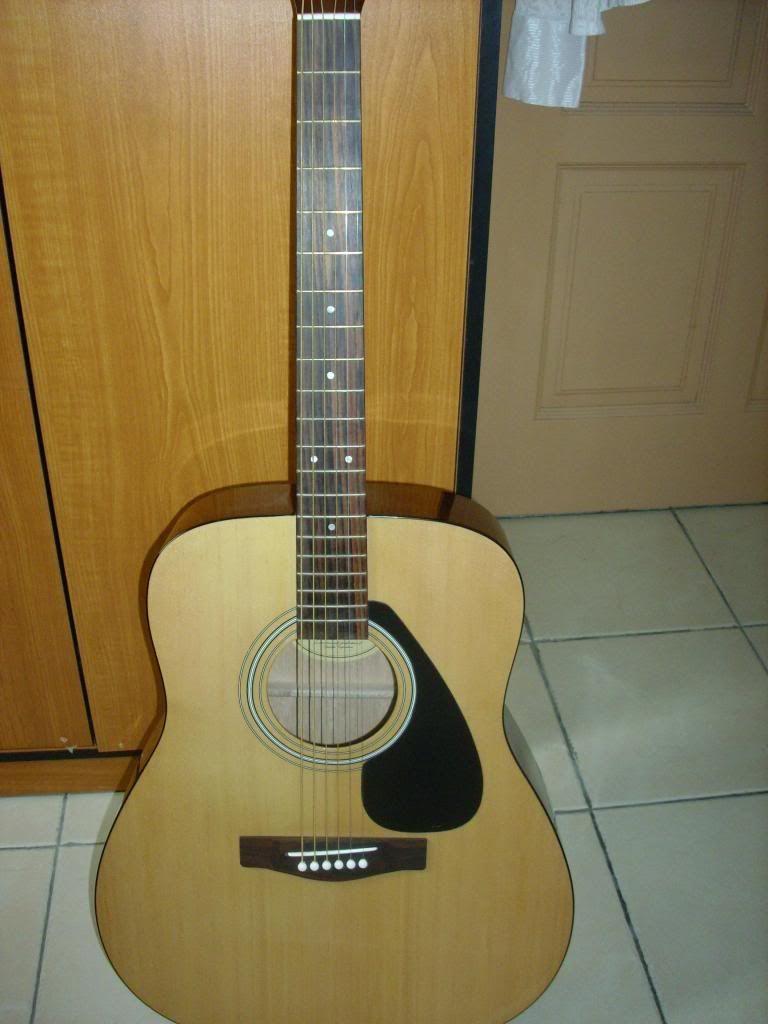 Classical Yamaha Guitar, RM 420 Guitar