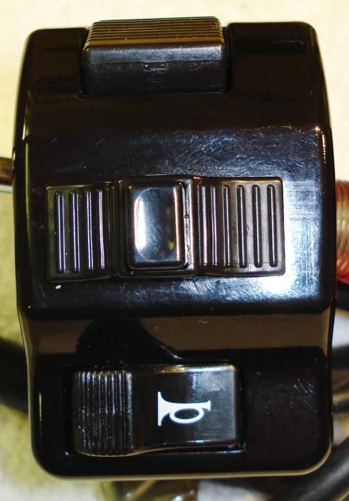 Switchgear strip down DSC08083_zps26542a00