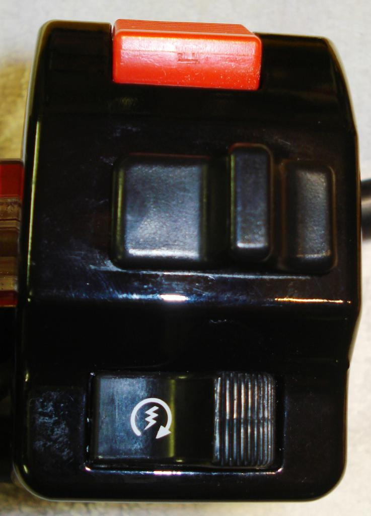 Switchgear strip down DSC08084_zps5b62857c