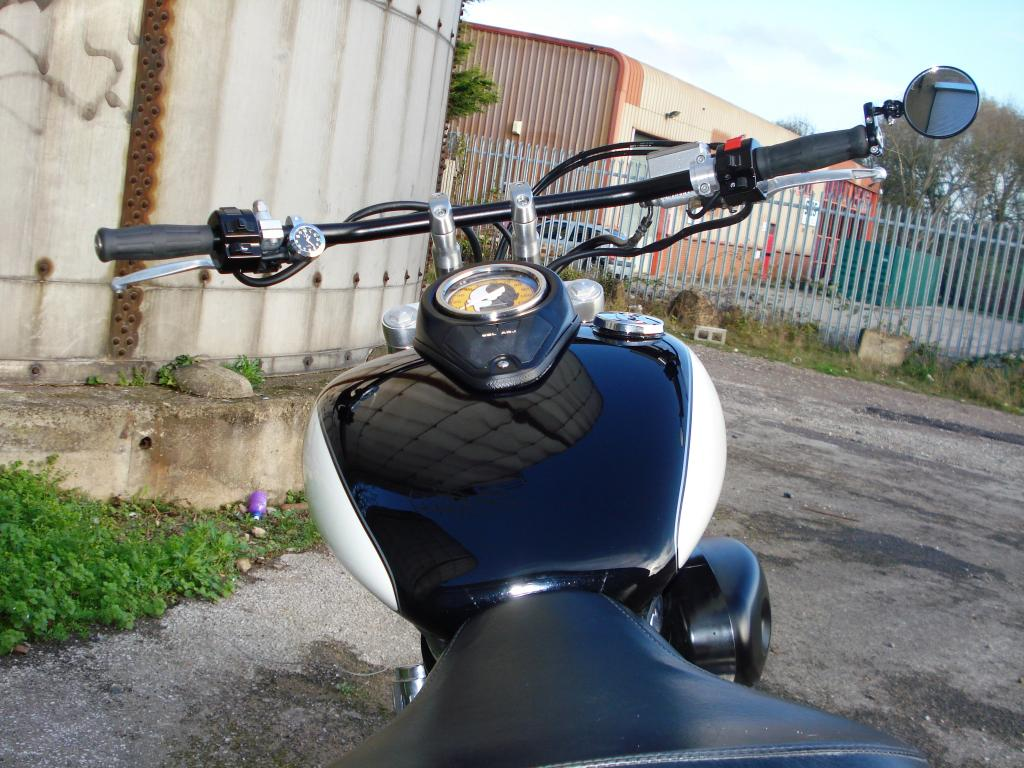 Updated - 2001 Suzuki VL 800 - bobbed & finished for this year DSC08119_zps3f98eb31