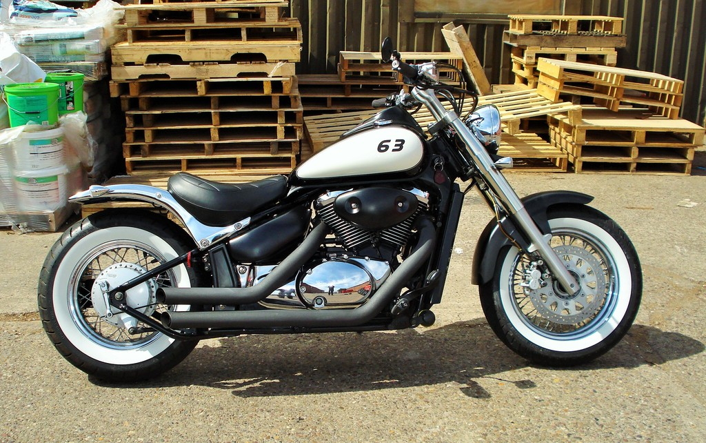 Updated - 2001 Suzuki VL 800 - bobbed & finished for this year DSC09311_zpsc05ucvsz