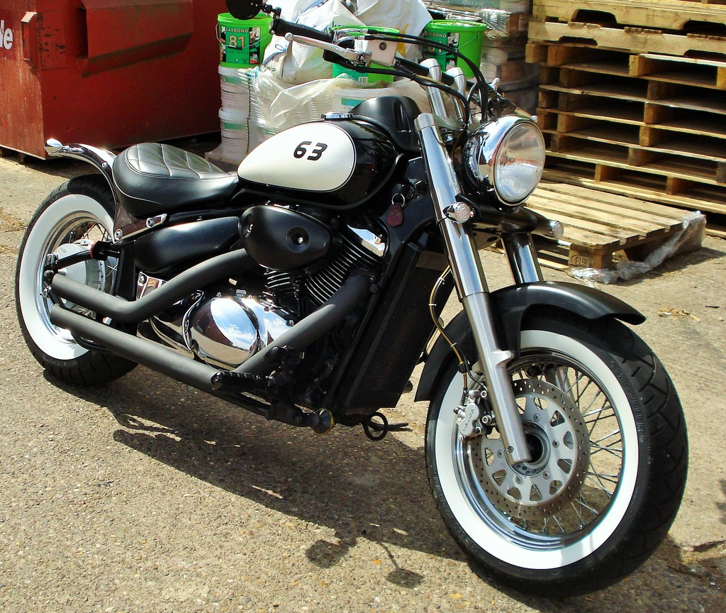 Updated - 2001 Suzuki VL 800 - bobbed & finished for this year DSC09313_zpsuopvlk6d