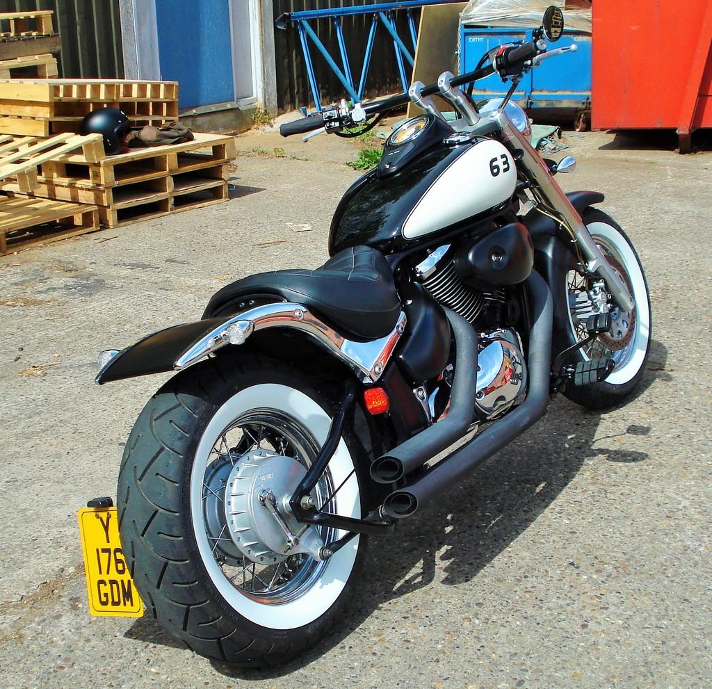 Updated - 2001 Suzuki VL 800 - bobbed & finished for this year DSC09326_zpsofibupgc