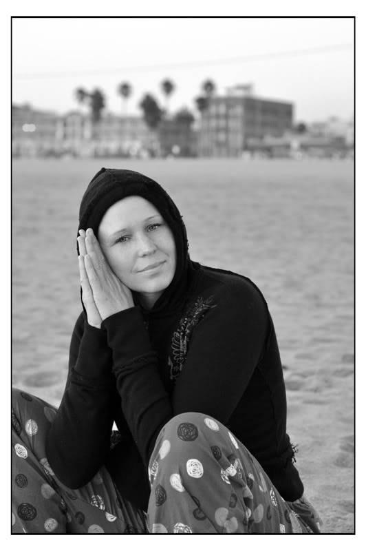 Amanda, Venice Beach A01_dumont_dusk_02CR