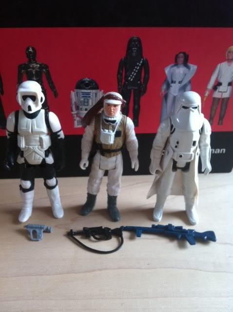 Hoth Stormtrooper Rifles Colour Comparison Shot  Photo-356