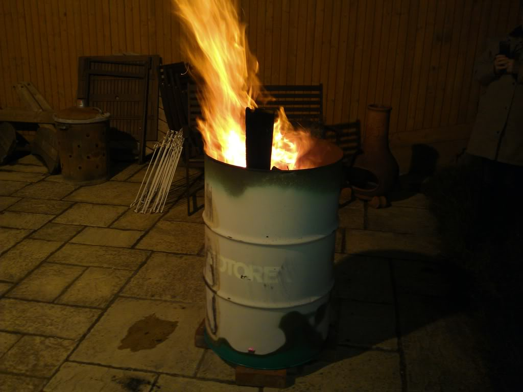 Made a smoker at home from an oil drum IMG_20120608_222310