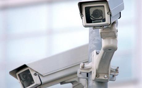 2010 : PISTAGE DES CITOYENS : SATELLITES, CAMERAS, SCANNERS, IDENTITE & BIOMETRIE CCTV_791726c