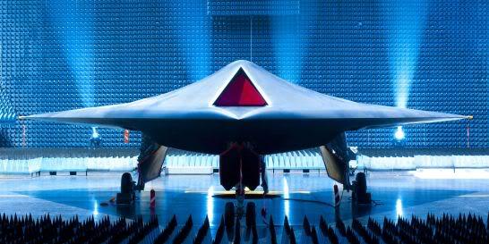 DRONES ET ROBOTS MILITAIRES PrototypedudroneTaranis