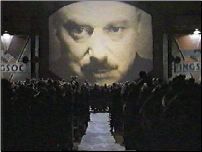 2011 : PISTAGE DES CITOYENS : SATELLITES, CAMERAS, SCANNERS, BASES DE DONNEES, IDENTITE & BIOMETRIE Big_brother_theater