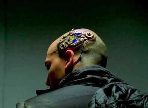 2010 : PUCES IMPLANTABLES, RFID, NANOTECHNOLOGIES, NEUROSCIENCES, N.B.I.C. ET CYBERNETIQUE - Page 4 Brainchip_cyborg