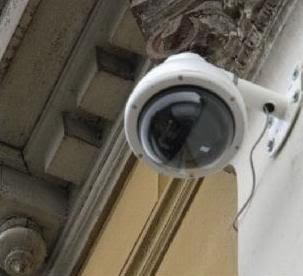 2011 : PISTAGE DES CITOYENS : SATELLITES, CAMERAS, SCANNERS, BASES DE DONNEES, IDENTITE & BIOMETRIE Camradevidosurveillance