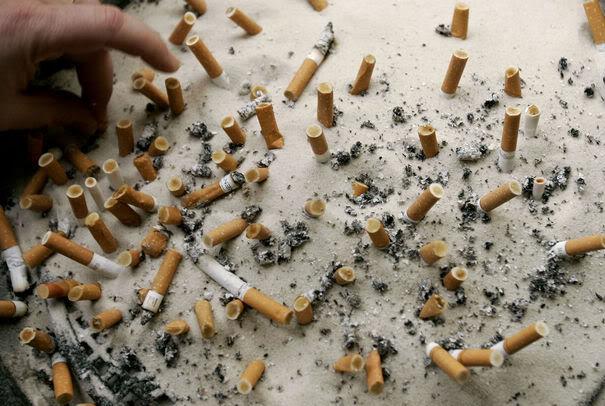 LOIS TOTALITAIRES ET MESURES LIBERTICIDES Cigarettes