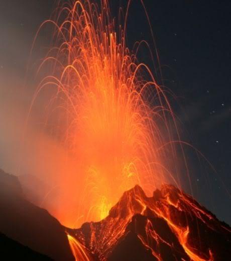 ERUPTIONS, TREMBLEMENTS DE TERRE ET TSUNAMIS Un-enorme-volcan-allemand-pourrait-bientot-detruire-l-europe