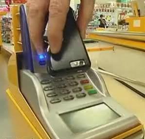 2010 : PUCES IMPLANTABLES, RFID, NANOTECHNOLOGIES, NEUROSCIENCES, N.B.I.C. ET CYBERNETIQUE - Page 5 Mobilepaymentcard