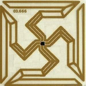 2011 : PUCES IMPLANTABLES, RFID, NANOTECHNOLOGIES, NEUROSCIENCES, N.B.I.C. ET CYBERNETIQUE ! - Page 2 Rfid-swastika