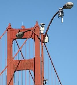 2011 : PISTAGE DES CITOYENS : SATELLITES, CAMERAS, SCANNERS, BASES DE DONNEES, IDENTITE & BIOMETRIE Sanfrancisco-surveillance