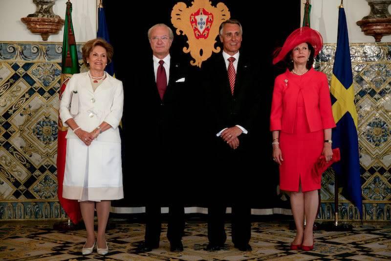 Carlos Gustavo XVI y Silvia - Página 2 0026_4