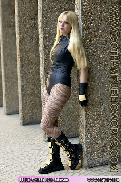 Women In Costume - Page 6 Black-canary-walls-2