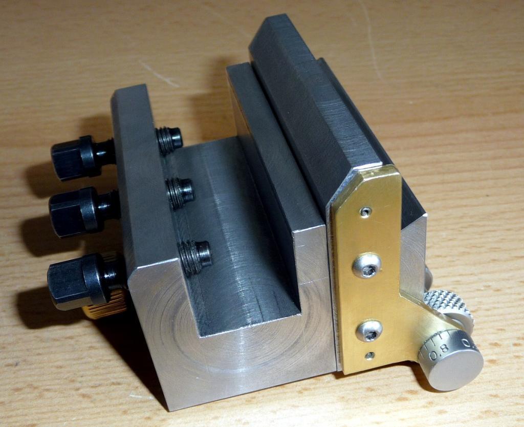 Support pour affutage d'outils de tour pour DECKEL SOE P1110318_zps4029a968