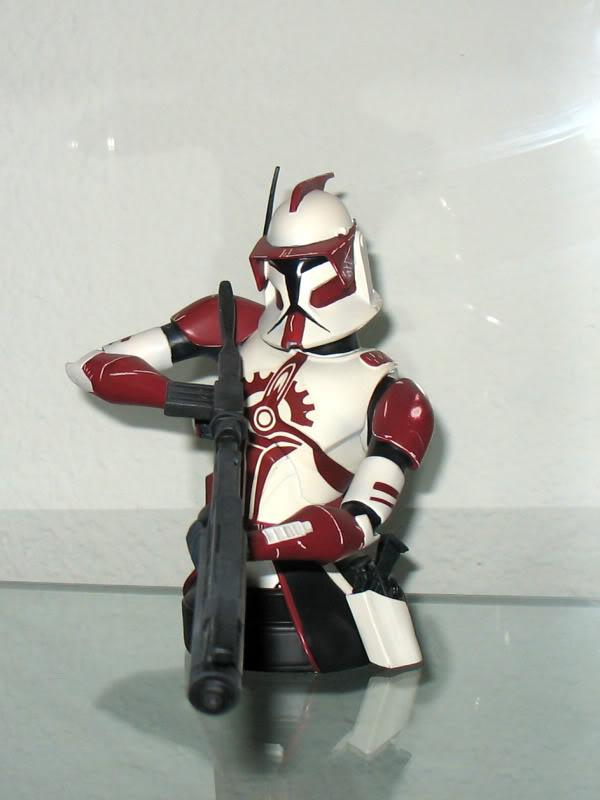 Gentle Giant Clone Wars Commander Fox mini bust PG Gift 2010 - Page 2 EliteCorpsTrooper001