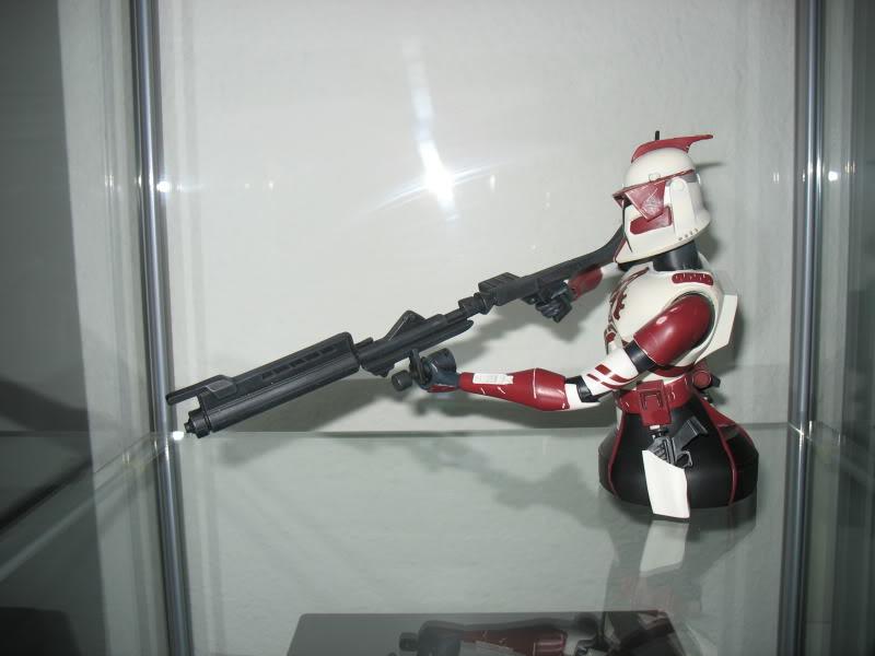 Gentle Giant Clone Wars Commander Fox mini bust PG Gift 2010 - Page 2 EliteCorpsTrooper006