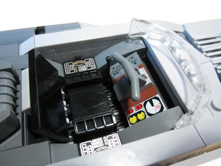 Les créations LEGO sur le NET - Page 4 1307977161m_DISPLAY