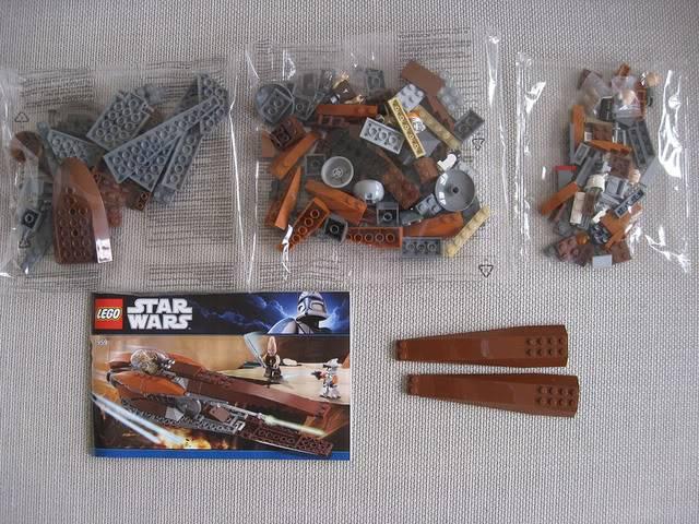 Lego - 7959 - Geonosian Starfighter  5733068193_2b89497647_z
