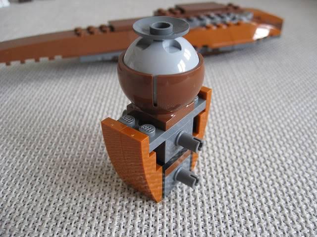 Lego - 7959 - Geonosian Starfighter  5733618598_1ff5e29e2a_z
