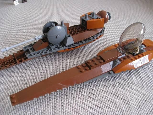 Lego - 7959 - Geonosian Starfighter  5733619714_c51426cb52_z