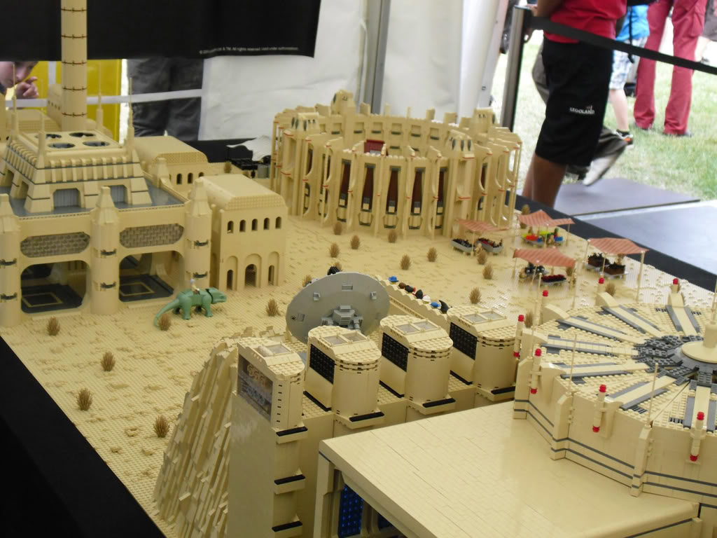 Les créations LEGO sur le NET - Page 4 Tatooine01