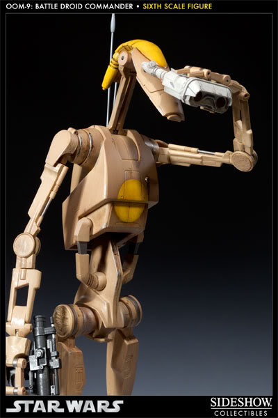 Sideshow - OOM-9 Battle Droid Commander - 12 inch Figure 100108_press02-001