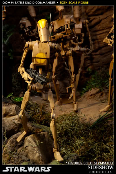 Sideshow - OOM-9 Battle Droid Commander - 12 inch Figure 100108_press09-001