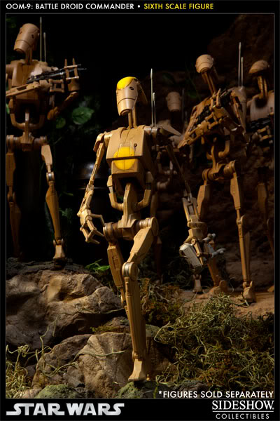 Sideshow - OOM-9 Battle Droid Commander - 12 inch Figure 100108_press11-001