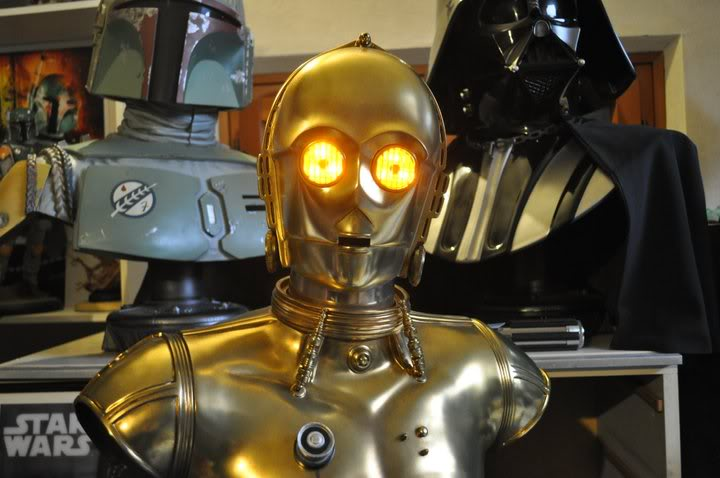 C-3PO LIFE SIZE BUST - Page 2 181601_10150178349014899_763189898_8721552_1107199_n