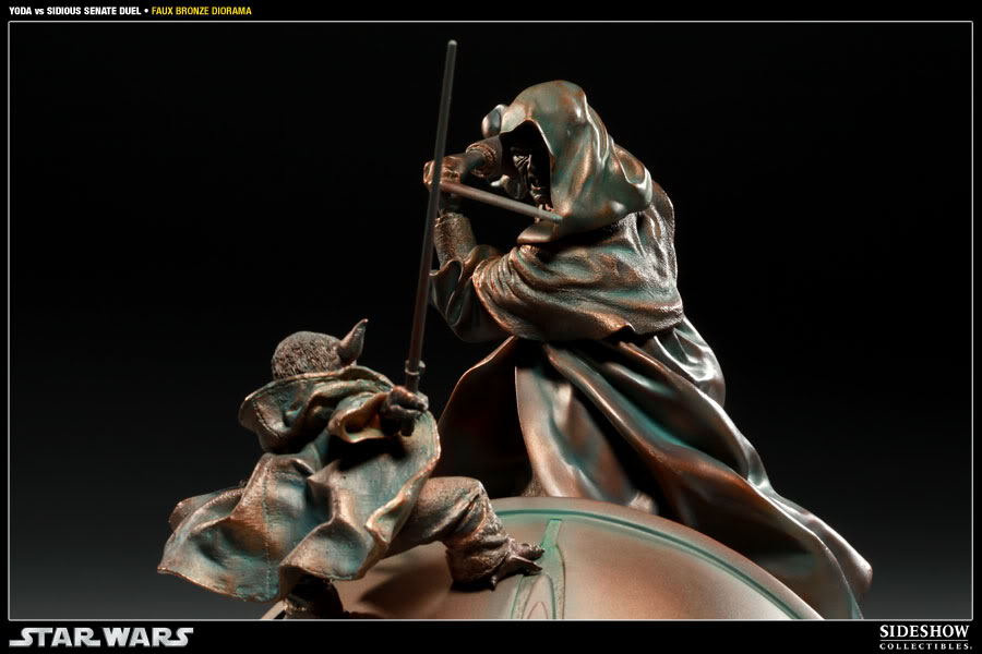 Sideshow - Senate Duel - Yoda vs. Darth Sidious- Faux Bronze 2000171_press05-001