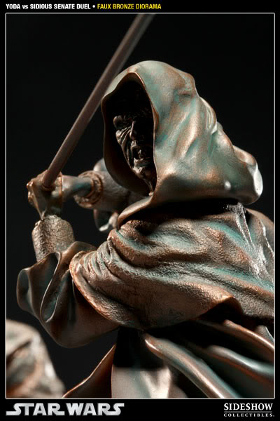 Sideshow - Senate Duel - Yoda vs. Darth Sidious- Faux Bronze 2000171_press08-001