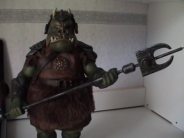 The Gamorrean Guard 12-inch Figure – Return of the Jedi DSC07472