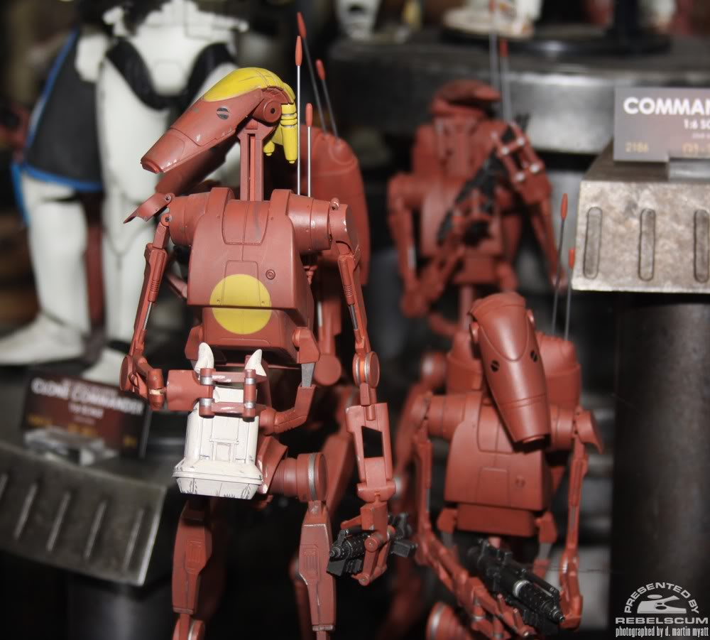 Sideshow - Infantry Geonosis Battle Droids  - 12 inch Figure IMG_0423