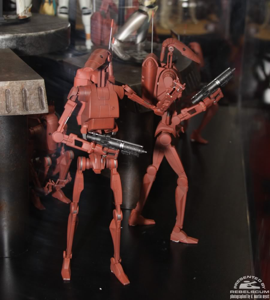 Sideshow - Infantry Geonosis Battle Droids  - 12 inch Figure IMG_0425
